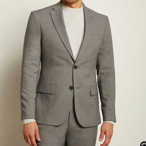 Essential suit Blazsr from RW&CO.